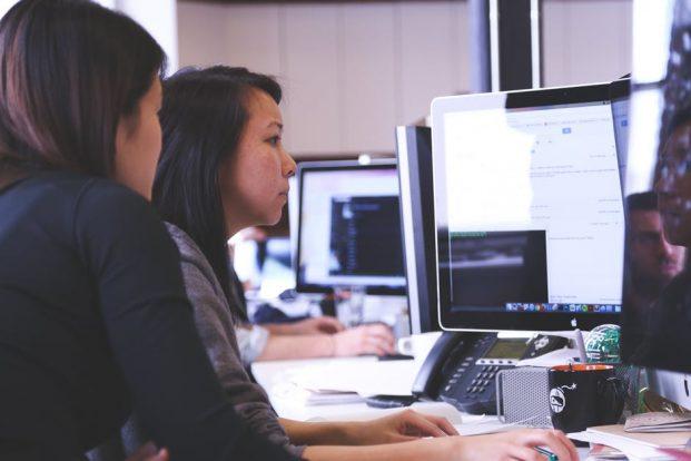7 ventajas y desventajas de usar software libre en tu negocio