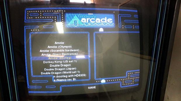 Máquina Arcade Linux con GroovyArcade